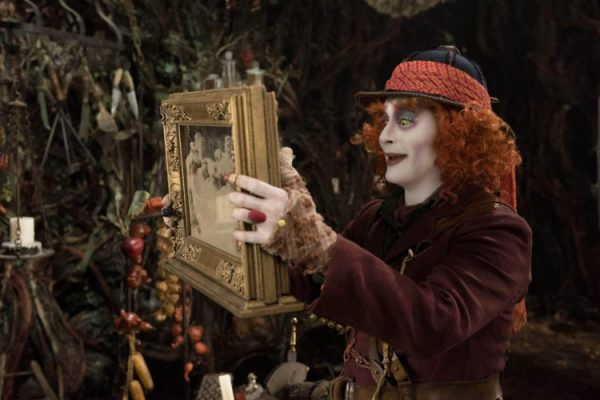 """ALICE on The OTHER SIDE OF the MIRROR"" : the imaginary likely"
