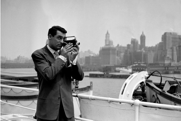 """[CRITICAL], """" BECOMING CARY GRANT"""