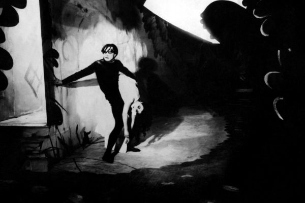 [critical] The Cabinet Of Doctor Caligari – 1919 (vost)