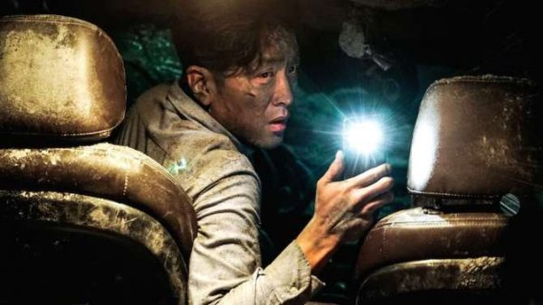 Interview with the director of the TUNNEL : Kim Seong-hun
