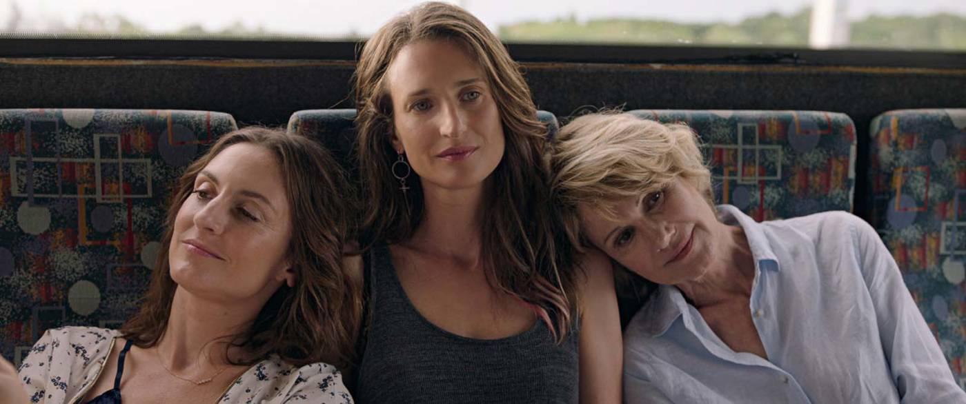 LARGUÉES, un feel good movie sur un trio mère-filles – Critique