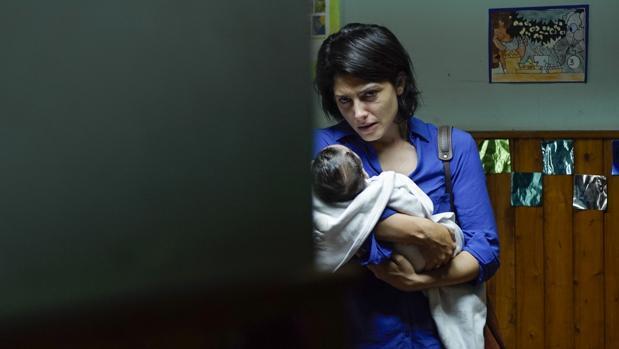NOTRE ENFANT, deux femmes et un couffin – Critique