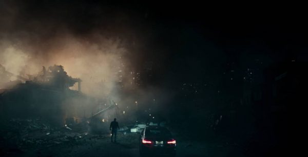 The Cloverfield Paradox, of a blow of sword in the water Review