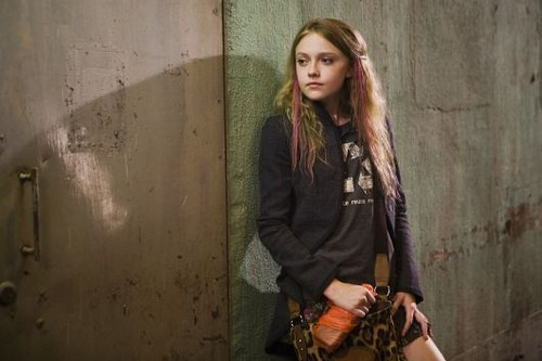 Twilight – Chapitre 2 : Tentation : Dakota Fanning-confirmed