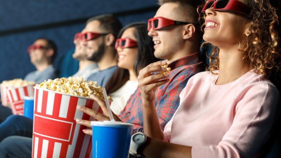 voir un film, Voir des films  et lire des scénarios
